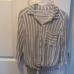 Vixbe Striped md. sleeve, front tie, button shirt